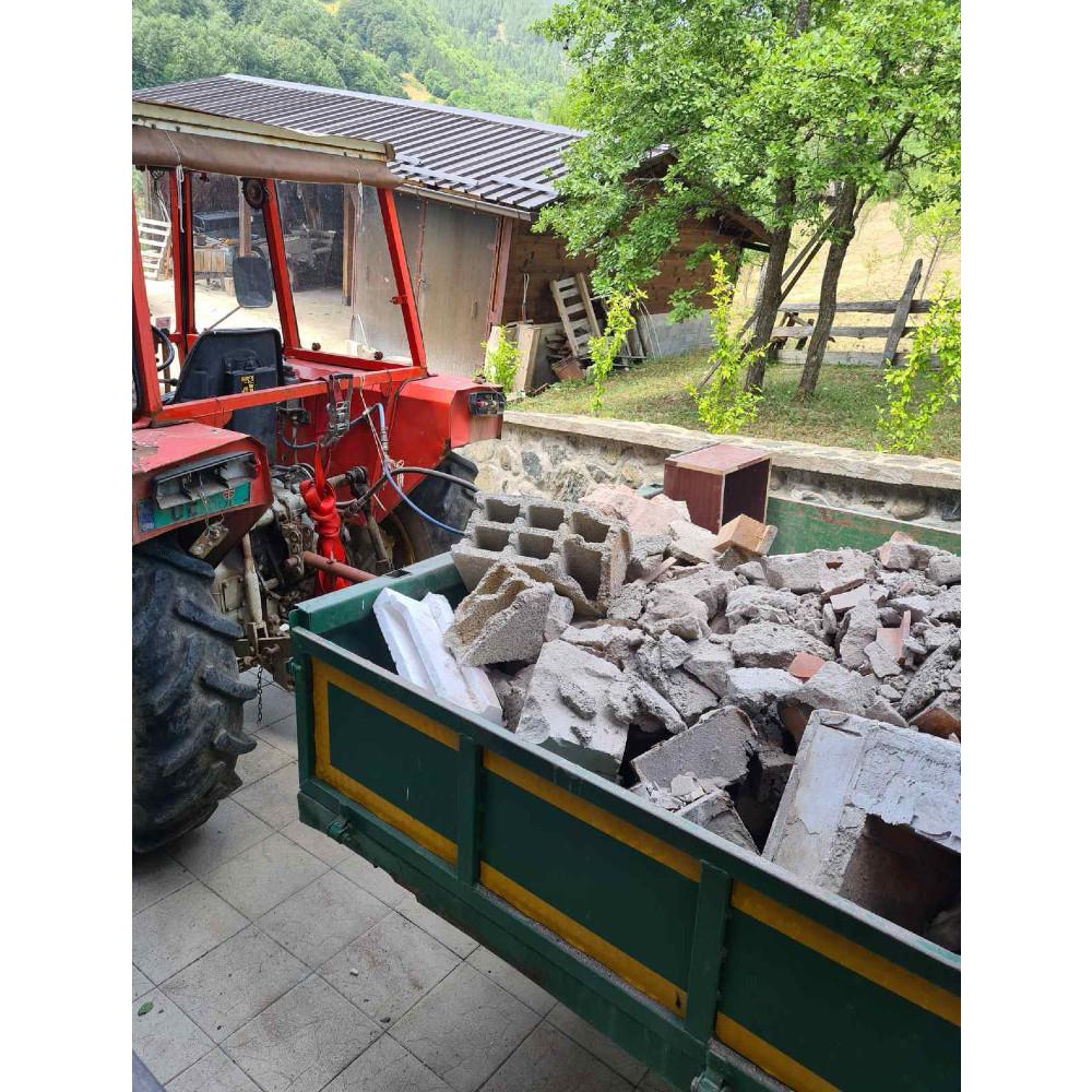 Rušenje starog kamina i priprema za ugradnju novog kamina na drva